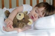 Kako pomoci detetu da zaspi i kvalitetnije spava